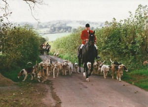 Mark Powell and the Brecon and Talybont hounds leaving the Opening Meet at The Griffin, Felinfach.